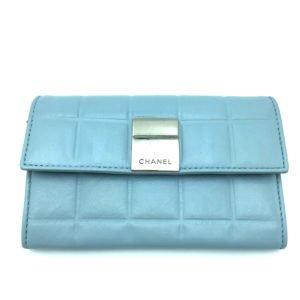 chanel-portafoglio-usato-azzurro